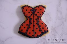 icing cookies , royal icing , sugar cookies , foodshot , corset cookies , lip cookies , pink , decorated cookies