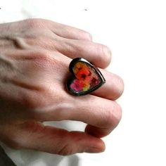 Real flowers locket ring https://www.etsy.com/it/listing/267580122/heart-photo-locket-ring-adjustable-real