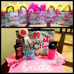 Thirty-One Gifts - Love this idea for bridesmaids gifts! #ThirtyOneGifts #ThirtyOne #Personalization #Organization #BridesmaidsGifts