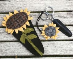 Primitive Folk Art Wool Applique Pattern: SUNFLOWER SCISSORS