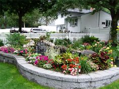 1000 images about front of house flower bed ideas on for Flower beds in front of house