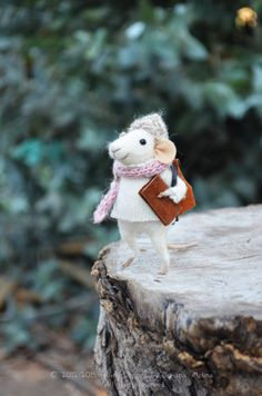 Little Traveler Mouse Felting Dreams by feltingdreams on Etsy