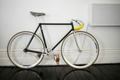Creative Convoy, Beautiful, Fixie, and Bike image ideas & inspiration on Designspiration World In Motion, Bicycle Types, Retro Bicycle, Fixed Gear Bicycle, Cycling Art, Bike Parts, Bicycle Accessories, Bike Design, Bike Life