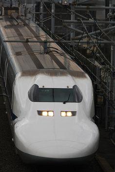 Super express Shinkansen 700*-*.