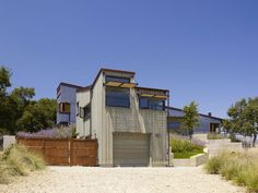 Hermosa Casa Contemporánea Exhibiendo sus Interiores Refinados en California, EE.UU..