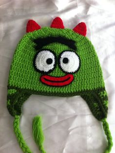 children crochet happy face hat / toddler hat / green by NARELO,