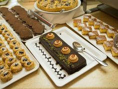 Delightful tastes! Restaurant Bar, Chocolate Fondue, Waffles, Menu, Breakfast, Desserts, Food, Menu Board Design, Morning Coffee