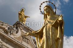 Assisi, Basilica di Santa Maria degli Angeli in Porziuncola (PG) -Madonna degli angeli. Basilica of Santa Maria degli Angeli in Portiuncula. Large gilded bronze statue of Our Lady of the Angels © Pietro D'Antonio