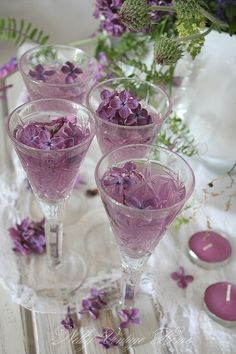 Lavender colored cocktails for Cocktail Drinks, Alcoholic Drinks, Beverages, Easter Cocktails, Cocktail Garnish, Fancy Drinks, Glace Fruit, Lavender Cottage, All Things Purple