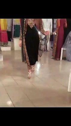 Fancy Wedding Dresses, Party Wear Indian Dresses, Designer Party Wear Dresses, Indian Fashion Dresses, Indian Designer Outfits, Fashion Outfits, Designer Wear, Fashion Clothes, Fancy Dress Design