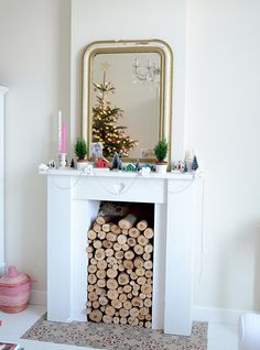 Candy-coloured-Christmas-mantel