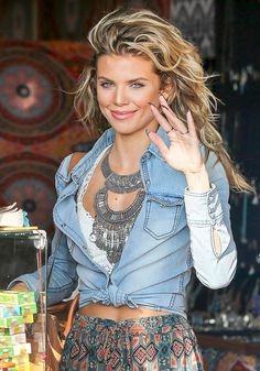 AnnaLynne McCord greets fans and photographers during a shopping trip in Venice Beach. - Splash News