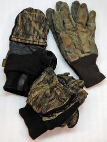 Always take gloves or glomitts along when you go hunting - Photo © Russ Chastain