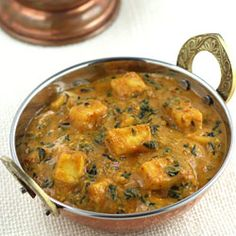 Paneer and methi are two ingredients that can turn any curry in to rich and healthy curry respectively. In this methi paneer masala curry recipe, these both ingredients are combined together to make one of the best Indian curries. by Read Indian Paneer Recipes, Paneer Curry Recipes, Indian Food Recipes, Asian Recipes, Easy Paneer Recipes, Methi Recipes, Punjabi Recipes, Paneer Dishes, Veg Dishes