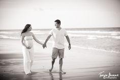 A beautiful beach maternity photo session… Beach Maternity Pictures, Maternity Poses, Beach Photography, Newborn Photography, Wedding Photography, Plage Couples, Pregnant Couple, Maternity Photographer, Pregnancy Photos