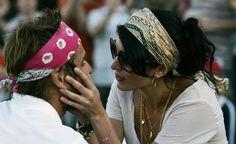 Nolwenn Leroy félicite son chéri pendant un match à Wimbledon, en 2008