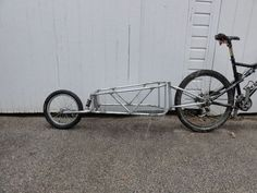 Single Wheel Bicycle Trailer With Suspension.