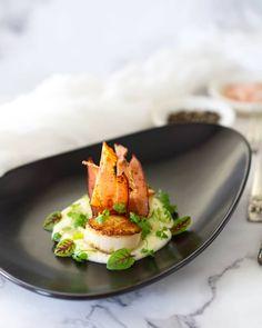 60 vind-ik-leuks, 4 reacties - Kim Boyan (@temptationforfood) op Instagram: 'Pan-seared scallops, cauliflower puree & hickory smoked bacon The perfecr combination with a few…'