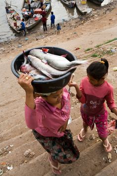 Cham Muslim Fisher communities on the Mekong Laos, Cambodia Travel, Cambodia Itinerary, Kampong Cham, Tonle Sap, Half The Sky, World Street, Asian History, Asia Travel