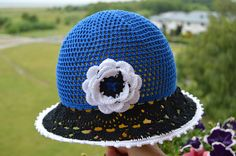 Hat in Estonian national colors