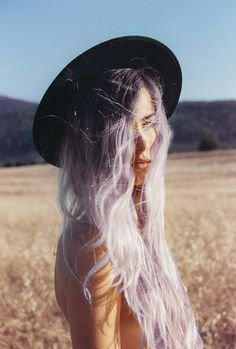 Lavender ombre hair... love this! Wish I had the guts to actually do it, hahaha.