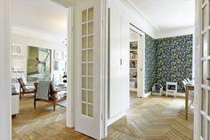 Fina dörrar och vackra golv.