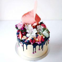 fabulous wedding dripped cake