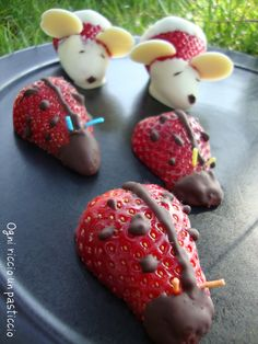 Coccinelle con fragole e cioccolato!  Ladybugs with strawberries and chocolate