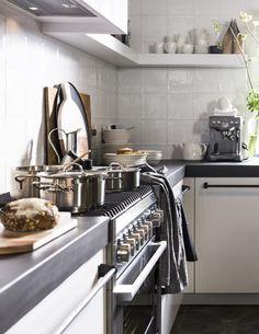 vtwonen White keuken - combi tegels en kleuren, fornuis en vloer !!!!!!!!!!!!