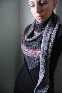 Easy garter Stitch shawl, Free on Raverly.'Heartbreak' by Lisa Mutch.