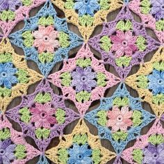 Crochet Squares Patterns Free Crochet Patterns Archives - Knit And Crochet Daily - Wonderfully pretty Little Wilde Flower Square is a beautiful Summer project! Beau Crochet, Crochet Diy, Crochet Motifs, Crochet Blocks, Granny Square Crochet Pattern, Crochet Squares, Crochet Blanket Patterns, Crochet Crafts, Crochet Stitches