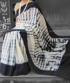 Elegant Mul Cotton Saree with Shibori work Indian Attire, Indian Wear, Indian Outfits, Shibori Sarees, Handloom Saree, Black And White Saree, Modern Saree, Simple Sarees, Casual Saree