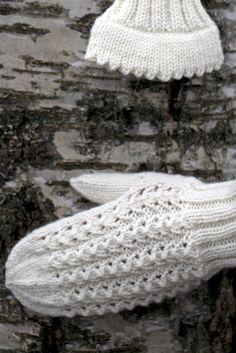 Pitsilapaset nirkkoreunalla Novita 7 Veljestä   Novita knits