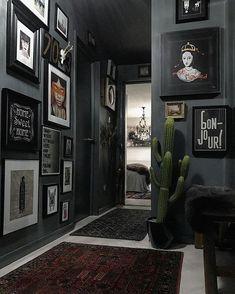 Tropical Eclectic Interior - - Interior Wood Texture - House Interior Grey - - New Classic Interior Home Interior Design, Interior And Exterior, Gothic Interior, Interior Colors, Interior Livingroom, Goth Home, Home Decor Inspiration, Colour Inspiration, Style Deco