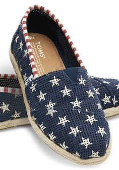 883bf94618c These shoes will help you earn your stripes in style this Memorial Day.  Buty Mężczyzn
