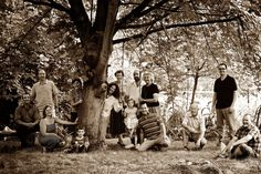 Large Family Photo (love the big old tree ... very cool)