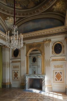 Hotel of Béthune-Sully, Duchess bedroom with a Louis XIV in Campan French Architecture, Architecture Details, Interior Architecture, French Interior Design, French Interiors, Sully, Cottage Stairs, Chateau Hotel, Drawing Rooms