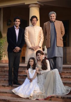 The newly weds Imran Khan and Reham Khan wedding and valima ceremony was a simple, no frills affair. Rare Pictures, Historical Pictures, Imran Khan Marriage, Imran Khan Cricketer, Reham Khan, History Of Pakistan, Pakistan Independence, Wedding Shoot, Wedding Dresses