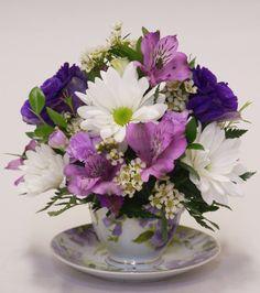 Tips On Sending The Perfect Arrangement Of Flowers – Ideas For Great Gardens Silk Flowers, Purple Flowers, Beautiful Flowers, Beautiful Flower Arrangements, Floral Arrangements, Floral Centerpieces, Teacup Flowers, Arte Floral, Ikebana