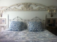Bed vintage blue and white decoration bedroom ideas