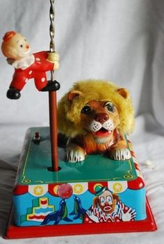 Vintage Circus Act Battery Operated Mechanical Clockwork Tin Toy Clown Lion - Japan Vintage Circus, Vintage Toys, Circus Acts, Clowning Around, County Fair, Tin Toys, Battery Operated, Grinch, Lion