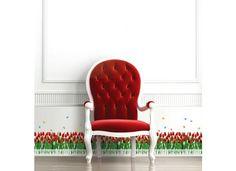 Wandsticker Wandtattoo Schmetterlinge und Tulpen in rot Frische Tulpen hinter weißem Gartenzaun zeigt der Wandsticker Schmetterlinge und Tulpen in rot.  Sticke ihn gleich an die Wände, Möbel, Glas oder alle anderen glatten Flächen. Verschönere den Flur, setze Akzente der Blütenpracht im Wohnzimmer oder erschaffe eine blühende Bordüre in der Küche. Überall sind Tulpen gern gesehen. Tanzende Schmetterlinge beleben den Eindruck von edlen Blüten für Deine Räume.