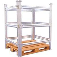 O rack porta pallet é uma espécie de grande estante, normalmente de metal, usado para o armazenamento de pallets de madeira ou de plástico. No entanto o rack porta pallet possui também um uso geral para armazenagem de cargas de grande peso.