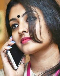 Aunty what a skin tone Beautiful Girl Indian, Most Beautiful Indian Actress, Beautiful Actresses, Beautiful Women, Beauty Full Girl, Beauty Women, Beauty Girls, Indian Face, Girl Photography Poses