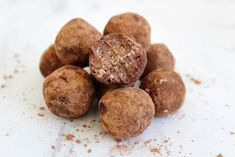 Chocolate Chia Truffles - sweet treat that you can feel good about. They are packed with healthy fats and protein #paleo #glutenfree
