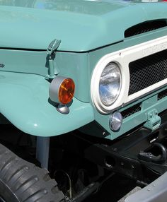 Gorgeous hue for a Land Cruiser. Would match the fridge and a lot of kitchenware that I want, haha! http://www.flickr.com/photos/chase20/3189417373/in/set-72157612497418518