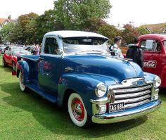trucks and cars Gmc Pickup Trucks, Classic Pickup Trucks, Gm Trucks, Chevrolet Trucks, Lifted Trucks, Antique Trucks, Vintage Trucks, Old Chevy Pickups, Classic Gmc