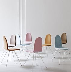 We admit it. We just fell in love. When the opportunity arose to take Arne Jacobsen's Tongue chair under our wing at HOWE, we couldn't resist.