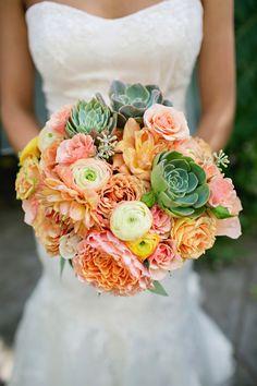 Perfect bouquet for a summer wedding ~ http://whitedaisyphoto.com/   bellethemagazine.com