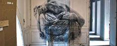 Artistas transforman un bar de copas abandonado en una enorme galería de arte